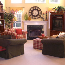 Traditional Living Room by Redesign Right, LLC