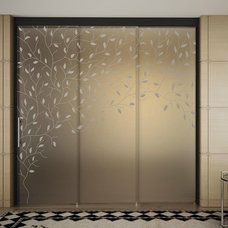 GLASS SLIDING DOOR WITH PELMET SINTHESY LIGHT SINTHESY COLLECTION BY FOA