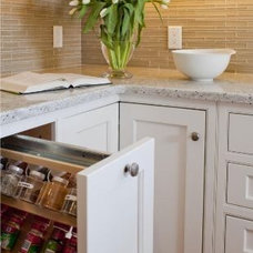 Traditional  by Greenfield Cabinetry (IL•WI•MN) American made