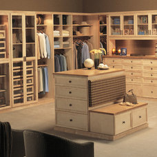 Traditional Closet by Closet Factory