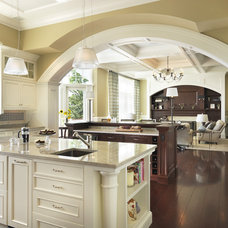 Traditional  by Kelly Taylor Interior Design