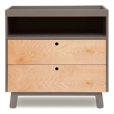 Sparrow Dresser By Oeuf - Sparrow Dresser is a great addition not only to a nursery, but also to a bedroom. The simple and elegant dresser design can be customized to suit your storage needs and when you have to use this furniture in kids room, the storage space can be effectively utilized. Oeuf eco friendly furniture designs always depict modern and contemporary styling and those parents who are struggling to design their nursery in contemporary style can use different products from Oeuf.
