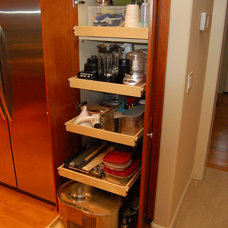 Pantry by ShelfGenie of Seattle