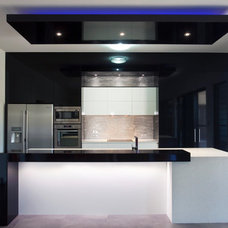Contemporary Kitchen by Gangemi Cabinet Makers Pty Ltd