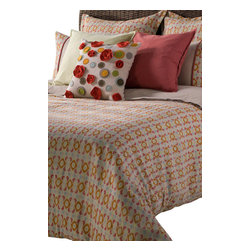 Rizzy Home - Metro Beige Queen Size Duvet with Poly Insert Bed Set - Similar to a beautiful piece of architecture within a thriving city, the felted texture accent pillow provides a point of focus for this bedding set, through its bold pops of color.  The bright bold hues and geometric patterns of the duvet and pillow shams provide a stunning back drop for pops of color from the accent pillows.