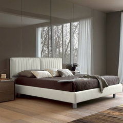 beds by Imagine Living