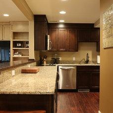 Craftsman Kitchen by 42 North Custom Homes LLC