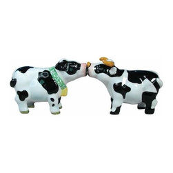 WL - 2.5 Inch Black and White Spotted Cow and Bull Salt and Pepper Shakers - This gorgeous 2.5 Inch Black and White Spotted Cow and Bull Salt and Pepper Shakers has the finest details and highest quality you will find anywhere! 2.5 Inch Black and White Spotted Cow and Bull Salt and Pepper Shakers is truly remarkable.