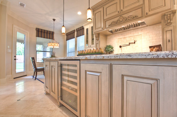 Traditional Kitchen by Silvan Homes
