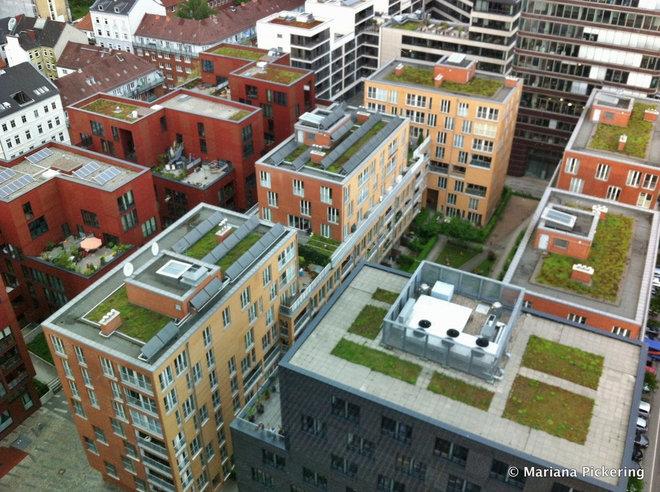 exterior by Mariana Pickering (Emu Architects)
