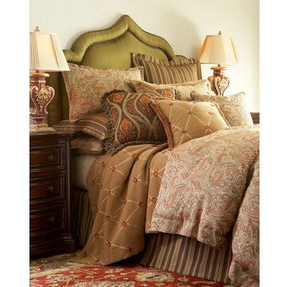 Traditional Bed Pillows Traditional Bed Pillows