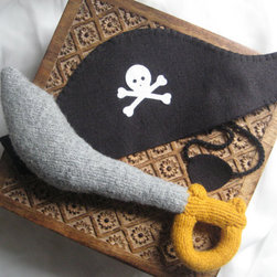 Pirate Costume Set By Lumbo Gimbo Crafts - What a beautiful handmade pirate dress-up set — just add your best pirate accent and it's swashbuckling you'll go!