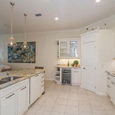 Beach Style Kitchen by Nichole Claprood