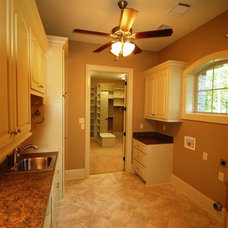 Photo from http://possibilitycustomhomes.com/large_gallery/TheStanderwick/Stande
