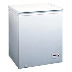 Midea - 5.0 Cubic-Foot Chest Freezer - Mechanical temperature control. Adjustable thermostat. Easy to clean interior. Balanced hinge design. Easy-rolling design. Removable storage basket.