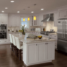 Traditional Kitchen Cabinetry by Rashotte Home Building Centre