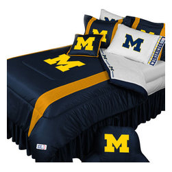 Store51 LLC - NCAA Michigan Wolverines Bedding Set College Football Bedding Set, Full - Features: