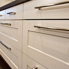 Contemporary Kitchen Cabinets by AyA Kitchens of Vancouver