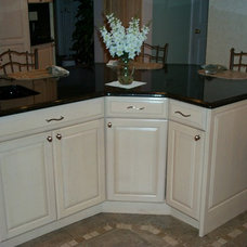 Traditional Kitchen Islands And Kitchen Carts by Carefree Kitchens Inc.