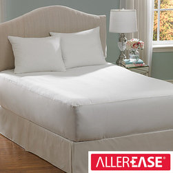 AllerEase - AllerEase Hot Water Washable King-size Mattress Pad - Protect your mattress and block out allergens with this washable king-size mattress pad. Ensure a good nights sleep for you or your guests with protection from allergens like pet dander and pollen. Wash it in hot water to completely kill all germs.