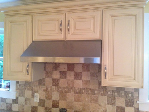 Wall Paint Color With Cream Kitchen Cabinets