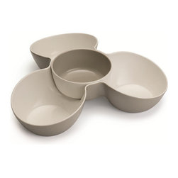 Joseph Joseph - Joseph Joseph Triple Dish Serving Set, Stone/White - This striking serving bowl makes a practical and stylish addition to any occasion. It provides three generous compartments for serving a variety of chips, snacks or crudités, and a removable dish in the center that is ideal for holding large portions of dip. It is made from 100% food-safe melamine, so it's tough and easy to clean (dishwasher safe), and it co-ordinates perfectly with our Double Dish serving bowl range. Available in white/green and stone/white.
