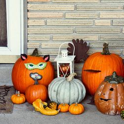 Fall Decor - Fall Cat Pumpkin Decor - Have fun this fall decorating your pumpkin with no mess!  Perfect for the cat lovers too!  Plastic Resin pieces hang on nails that you stick into pumpkin.  Reuse each year.
