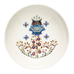 """Taika Collection White Coupe Bowl, 8"""" - A cross between a bowl and a plate, the iittala Taika Large Coupe Bowl is a helpful hybrid to have on hand for pasta, salad or stir fry dishes; though Asian-inspired, this versatile style is suitable for any cuisine."""