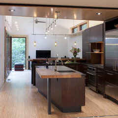 modern  by Gardner Mohr Architects LLC
