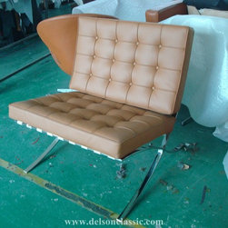 Mies Van Der Rohe Barcelona Chair - Barcelona chair and ottoman  DS301