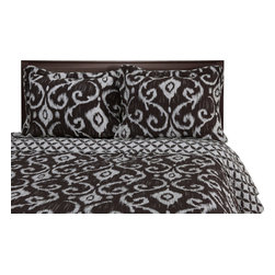 Cambridge Quilt Set - Twin/Twin XL - Brown - The Cambridge Quilt Set features a classic Victorian style design that is available in brown and dark blue. This set is made of 100% cotton and includes (1) Quilt: 68x86 and (1) Pillowshams: 20x26.