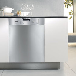 Miele G4205SS Futura Classic Series Dishwasher - Miele is now, for the first time ever, offering their entry level dishwasher for under $1000. This marks an incredible value from Miele, last year's JD Powers first place award winner for customer satisfaction in the dishwasher category.