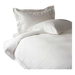 """800 TC 15"""" Deep Pocket Fitted Sheet with 2 Pillowcases White, Full - You are buying 1 Fitted Sheet (54 x 75 inches) and 2 Standard Size Pillowcases (20 x 30 inches) only."""