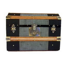 European Angle Top Trunk - Zinc was utilized as trunk covering for the traveler heading to parts of the world with damp, or humid climates due to the rust resistant nature of this metal.