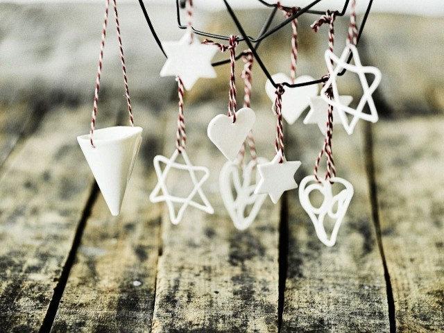 Modern Christmas Ornaments by Sukima