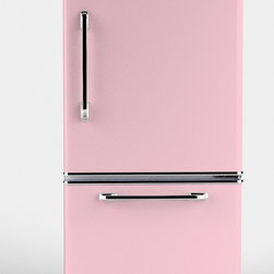 Big Chill - Big Chill Retropolitan 18.5 cu. ft. Fridge - Slide-Out Freezer - Pink - The Big Chill Pink Lemonade Retropolitan Fridge with Slide-Out bottom freezer is Big Chill's newest fridge model. The look of the Pink Retropolitan may be straight out of the 1950s, but its amenities are all modern. With 18.5 cu ft. of interior storage space, a durable design that resists chips and dents, and precise frostless temperature control, the Retropolitan in pink brings big retro style and modern performance to your kitchen. The Big Chill Retropolitan in Pink Lemonade really is a Modern Made Classic.