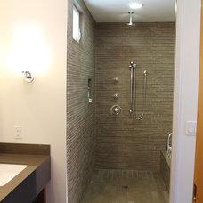 Contemporary Bathroom by Narita Architects