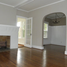Traditional Living Room by NEOCLASSICAL BUILDERS, llc