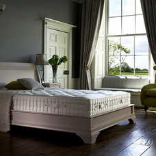 Farmhouse Beds by HDTWO LTD