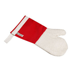 Le Creuset - Le Creuset Oven Mitt - Designed to protect wrists from bakers burn with its long sleeve, this durable mitt reaches to the forearm, and features an embedded magnet for easy storage on nearby appliances.