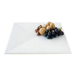 DESU DESIGN - DESU DESIGN Taru Tray - This textured tray creates an optical illusion of interlocking chevrons that's geometric brilliance. The simple white color keeps the look of the plate classic, while the built-in pattern creates a style that you've never seen before.