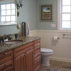 Bathroom by Duperron Designs Inc.