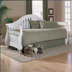 Fashion Bed Fraser Daybed with Link Spring and Pop-Up Trundle in Frost