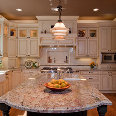 Traditional Kitchen by Lamorinda Construction & Consulting