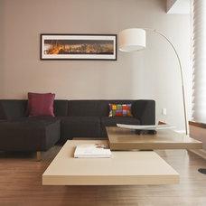 Modern Living Room by LOCZIdesign