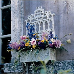 Design Toscano Cast Iron Gothic Revival Flower Box