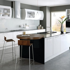 Modern Kitchen Cabinetry by Do It Yourself Kitchens
