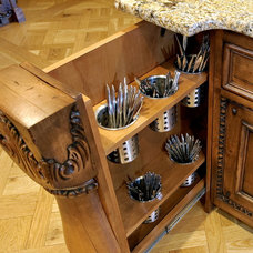 Traditional  by Bespoke Woodwork