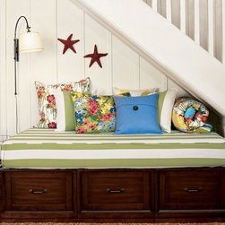 Stratton Daybed with Drawers -
