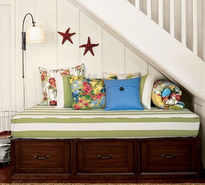 Traditional Daybeds by Pottery Barn